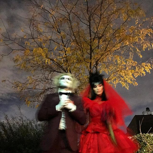 Bella Hadid And The Weeknd Slay Beetlejuice Couple S Halloween Costume